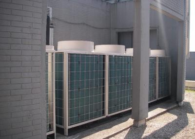 Installation d'unités extérieures pour des bureaux