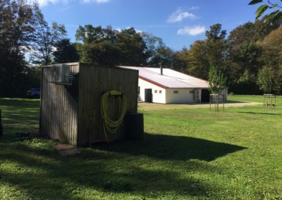 Installation d'une cabane de jardin